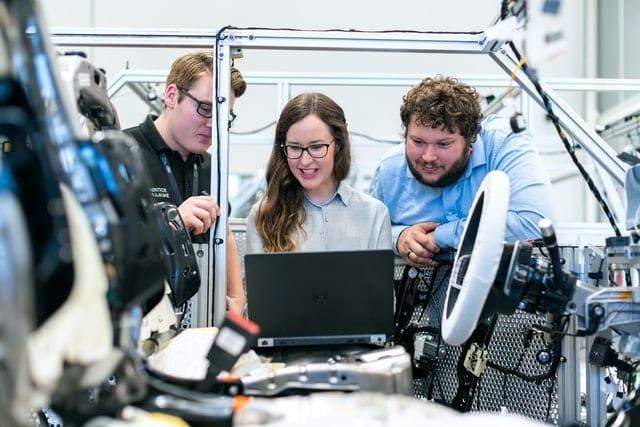 ¿Qué hace un ingeniero mecánico? - Universidad EIA